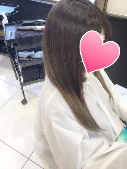 グレーのグラデーション♪ ブリーチの透明感には勝てないですねσ(^_^;) hair  design germe所属・篠田和希のスタイル