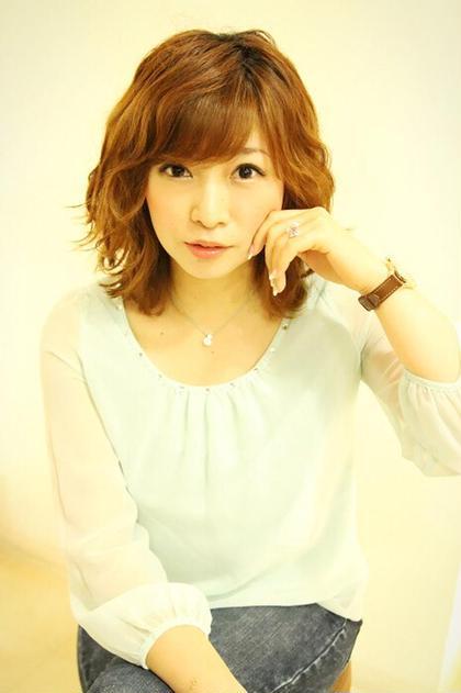 首元にくびれのあるエッジィパーマ hair relaxation rire所属・出石咲子のスタイル