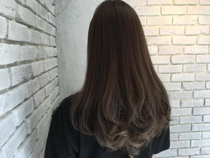 グレージュグラデーション シルバーグラデーション agir hair所属・廣田由加のスタイル
