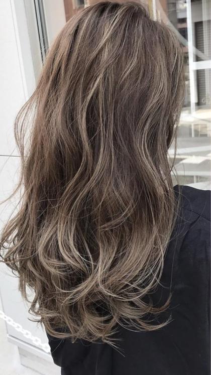 Richehairのセミロングのヘアスタイル