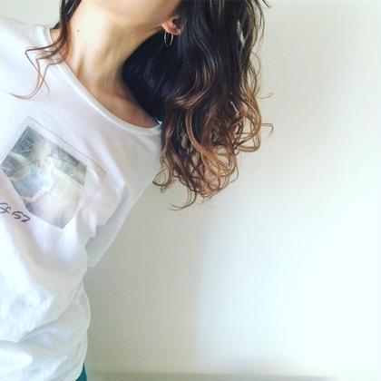 ハイライトカラー  ウェーブヘア smooth  hair所属・スギノトモユキのスタイル