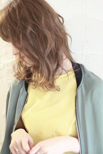 カラー パーマ ミディアム ハイライトベージュ+カット スタイリングしやすくカットします。