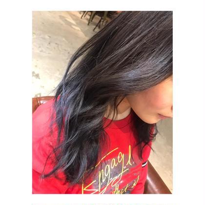 カラー ロング long style . color 【 gradation blue 🦋】    巻くと、 より可愛いスタイルです🍃    ブルーアッシュで 夏っぽく。  全体よりは、毛先に 入れるのがおすすめで、  他とはかぶらないカラーです💕
