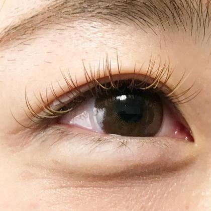 カラーエクステで周りと差をつけたい方にオススメです♡ eyelash salon  LUNA所属・EyelashLUNAのフォト