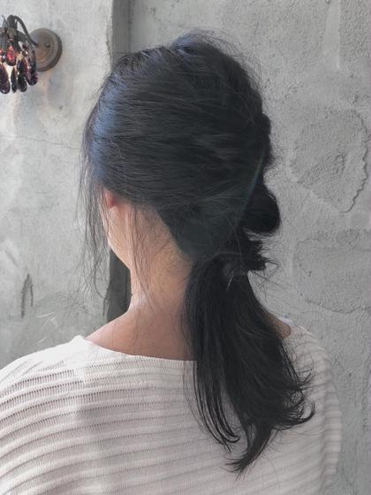 セミロング 簡単ヘアアレンジ(^○^) 黒髪でも重たく見えないスタイルです!