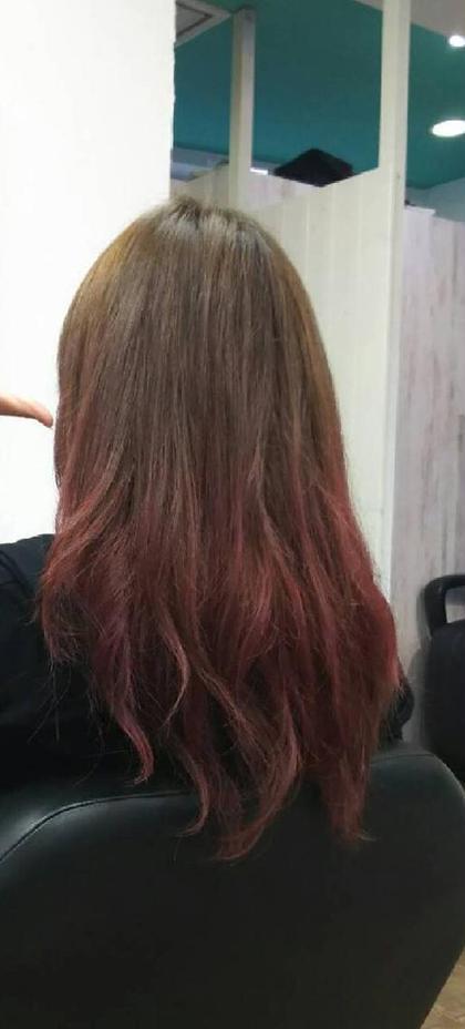 赤のグラデーションカラー イルミナのオーシャンとイゴラのレッドで可愛くしました☆ south east hair 所属・宮城綾子のスタイル