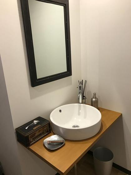 その他 広いおトイレもUNIVERSEこだわり! 最後にメイク直しもゆっくりしていただけます♪