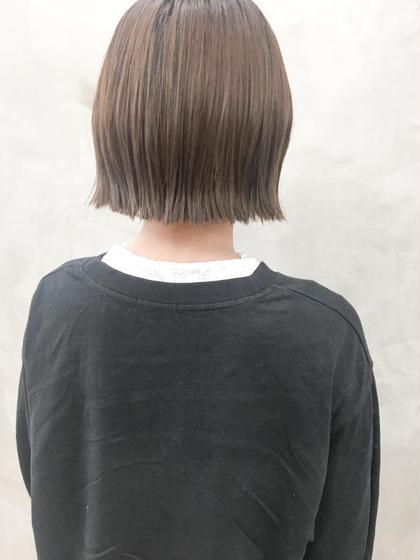 JK卒業したての子をブリーチ使わずであかるく❤︎ トーンアップこそイルミナカラーがおススメ! ダメージレスや、透明感、発色、仕上がりの髪質が柔らかい印象になり可愛いです!!! 髪質、髪の履歴により、個人差はあります。 #黒髪卒業式#春カラー#切りっぱなしボブ 細川萌依の