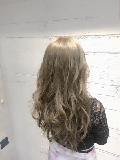 Tisaティサのロングのヘアスタイル