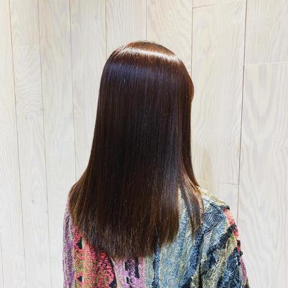 レッドバイオレットブラウン hairtrees武蔵小杉店所属・佐藤彩香のスタイル