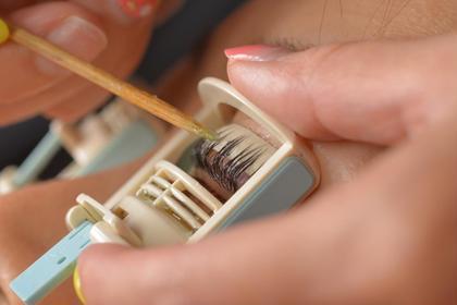 安全性に配慮された特許カール器を使用します。 まつげパーマ専門店シャルナ所属・まつげパーマ専門店シャルナ 新宿店のフォト