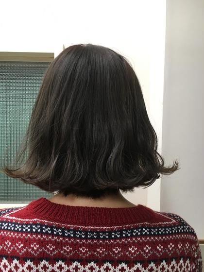 ブリーチして明るくなった髪にトーンダウンで透明感のある暗髪に(*^_^*) Neolive ora所属・宇野芙美香のスタイル