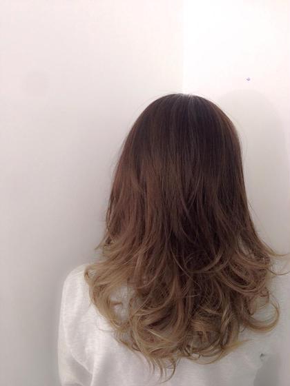 グレージュグラデーション  毛先ブリーチ(×1)→オンカラーで♪  すでにブリーチ済みの髪の毛の場合はオンカラーの塗り分けのみで出来ちゃいますよ☆  ricca所属・IIJIMAイイジマのスタイル