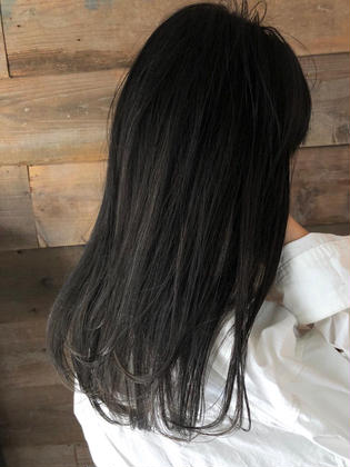 カラー ロング highlight color design  ✂︎ KHANH HOA 表参道  ℡0368045616 渋谷区神宮前4-14-6 101  cut ↠¥5.000 color ↠¥7.000〜 highlight design ↠¥8.000〜 balayage design ↠¥10.000〜 cut×color×treatment ↠¥10.000 cut×highlight×treatment ↠¥11.000 cut×balayage×treatment ↠¥13.000  ↠ https://www.instagram.com/_hide1989/