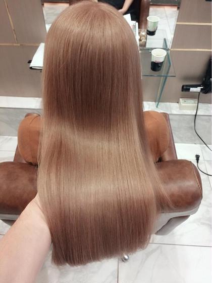 AKIHIROのロングのヘアスタイル