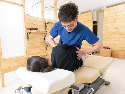 【初回】カイロプラクティック(整体)骨盤・背骨矯正
