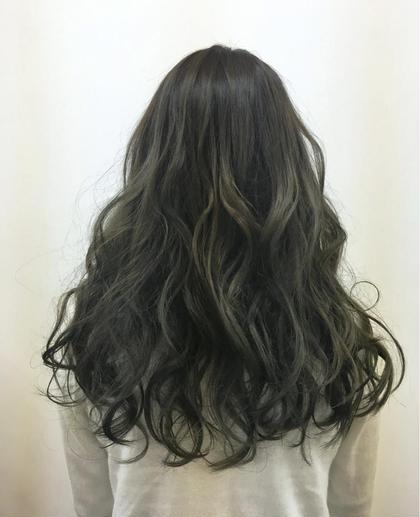 アッシュのグラデーションです! kaminomori -International Hair Concepts-所属・高橋優希のスタイル