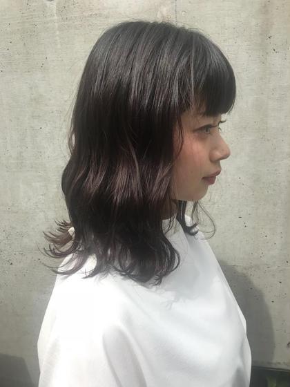 江口なつみのセミロングのヘアスタイル