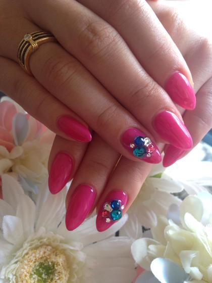 ジェル¥3500 #ワンカラー#ピンク#ストーン nail salonprimrose大宮店所属・nail salonプリムローズ大宮店のフォト