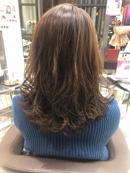 福田詩歩のミディアムのヘアスタイル