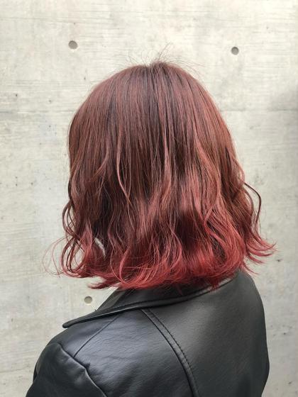 その他 カラー パーマ ヘアアレンジ ミディアム 毛先のみブリーチ後、全体は暖色系ブラウン、毛先は赤系の裾カラー(グラデーションカラー)を入れて可愛い仕上がりにしました😍