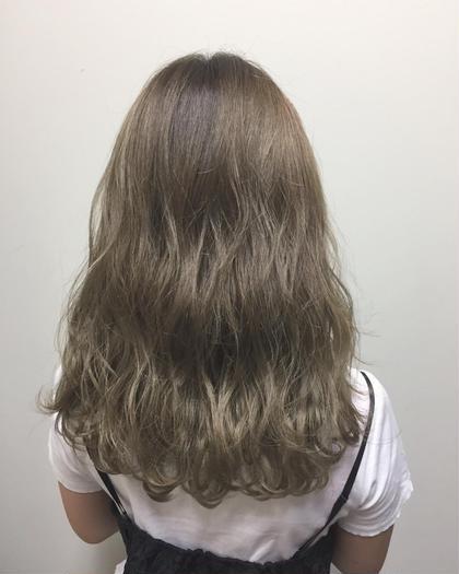 カラー ロング 毛先にかけてナチュラルグラデーション 毛先はブリーチ×2は必須です。