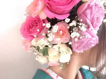 生花を活かしながらの可愛いヘアーセット FLOWER   HAIR所属・山下優也のスタイル
