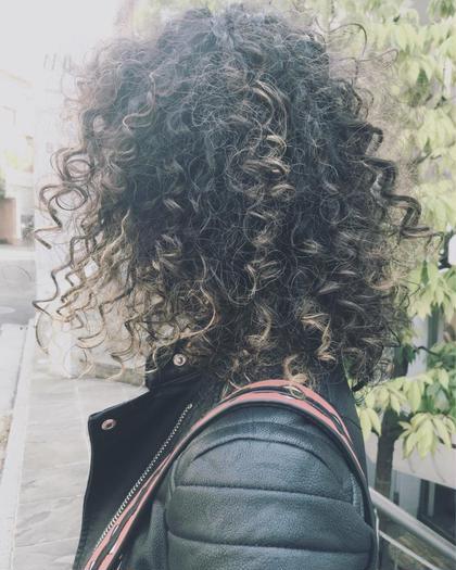 束感が個性的なスパイラルパーマ ブリーチ毛にかける場合はご相談下さい。 ※ロング料金別 yukimikuriyaの