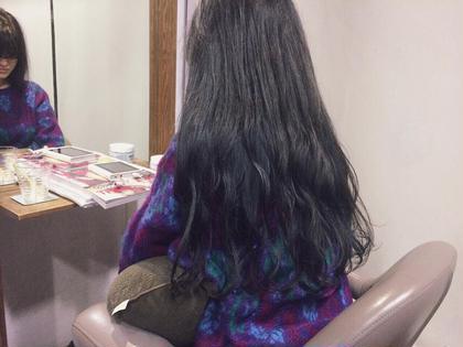 ブリーチを何度か繰り返した髪に アッシュグレーを重ねた色♪ beyond所属・戸田めぐ美のスタイル