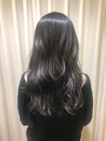 元々ブリーチをされていた髪の毛に アッシュ系の色をオンカラー☆ミ