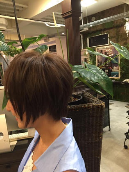 ショートスタイルで顔周りにメリハリ☆ HairPeople所属・仲座裕菜のスタイル