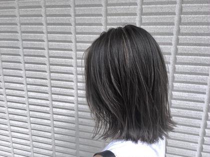 【 イルミナカラー × ハイライト 】  細かく入れた ハイライト と シアーグレージュ は大人気スタイルです ♪  高江秀聡のヘアカラーカタログ
