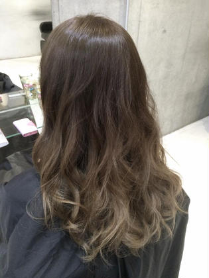 グレージュグラデーション☆ SENSE  Hair所属・みやもとはるなのスタイル