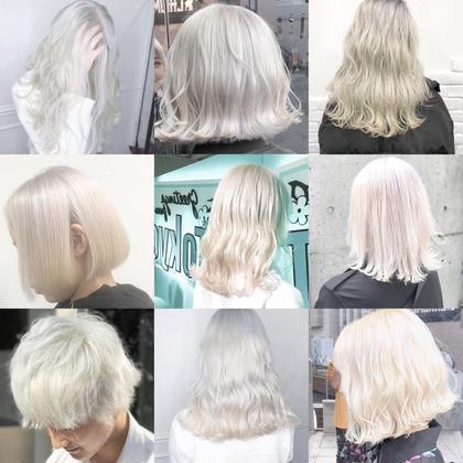 ホワイトカラーまとめ👻  あなたの髪は何を纏う?  カラーはあなたの髪の価値をぐっとあげるものです  ホワイトカラーは白ティー、スキニーでもあなたをスーパーモデルかのようなオーラを出してくれる最高なカラー  2020年チャレンジしませんか?  綺麗なホワイトカラーなるためには  髪が綺麗な事が1番です  ダメージが強い状態からだと綺麗はホワイトにする事はほぼできません。  毎日のケアが自分にあっているか   できないのであればオススメはできません。  ですが適切なケアの方法をお伝えします、適正な薬剤、適切な技術があれば1人1人にあった最高のホワイトカラーを 作り出すことは可能ですので  是非僕に任せてください  #原宿#ハイトーンカラー#シルバーカラー#ヘアカラー#ネイビーカラー#ホワイトカラー#ブロンドヘアー#アッシュ#ケアブリーチ#ブロンドカラー#派手髪#ラベンダーカラー#ミルクティーカラー#アッシュ#ミルクティーベージュ#ブルージュ#グレージュ#ピンクカラー#インナーカラー#ハイライトカラー#グラデーションカラー#bts#ホワイトヘア#ホワイトヘアー✳︎ ✳︎ ✳︎