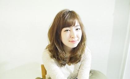 ☆アッシュベージュ ☆お手入れ楽なふんわりホットパーマ elle  garden所属・オギノカスミのスタイル