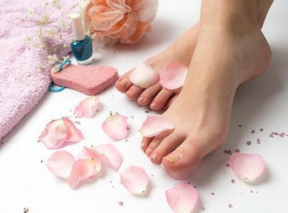 フルペディキュア(お爪整え+甘皮処理+表面磨き+足裏角質ケア+カラーリング)