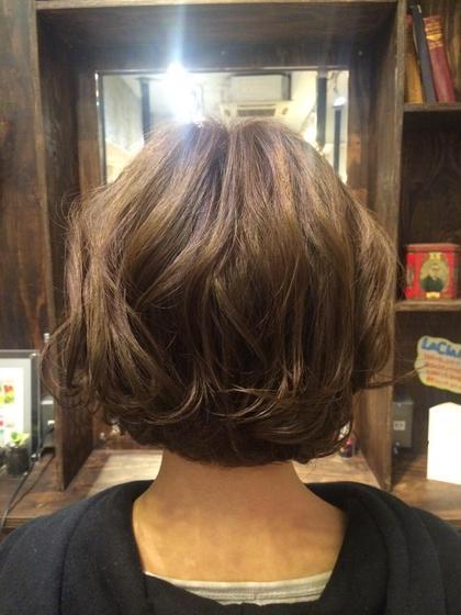 肩にギリギリ髪が着かず、はねない程度の重ため前下がりボブです!  emue所属・岩崎優子のスタイル