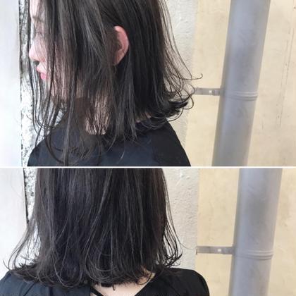 カラー ショート Real salon work✂︎ [外ハネボブ✂︎×シングルブルージュColor] . 前下がりcutラインの切りっぱなしbobに外ハネstyling☝︎ シルエット重め、軽い質感☆  colorは、ノンブリーチ⭕️シングルカラーのみ。 染める前のベースが7〜9トーン程度あれば、地毛風透明感カラーができます。 黒髪の方は、初め9トーン程度がオススメ☆ . . #NAKAIstyle #ボブ#外ハネボブ#切りっぱなしボブ#ウェットスタイリング#プロダクト#ブリーチなし#カラー#ダークアッシュ#ブルージュ#グレージュ#地毛風カラー#外国人風カラー#大人の外国人風#大人カラー#トレンドヘア#トレンドカラー#ハイカジュアル#モード#お客様カットカラー