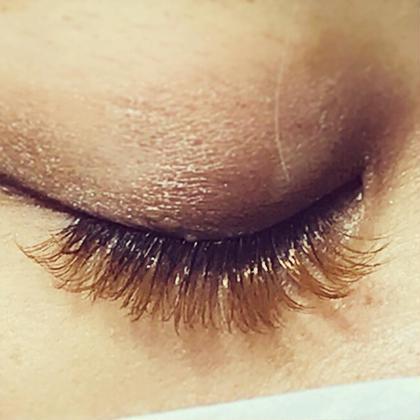 個性派の方や、透け感が欲しい方に大人気のオールブラウン♪ 3種類のブラウン系からお選びいただけます(^^) EyelashsalonNATURE志木店所属・EyelashNATUREのフォト