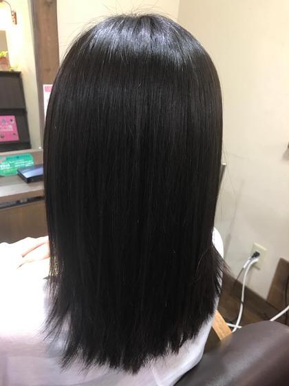 少しクセでボワボワが気になる方に。SーS結合を切らず髪の表面の水素結合イオン結合を整えサラサラツヤツヤにしあげます。 Badens salon Creaemotion attic所属・厨子 直樹のスタイル