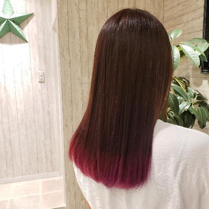 ラベンダーカラー  グラデーションカラー  毛先に濃いめの紫を入れました!!  落ち着いたカラーに遊びがほしいとのオーダーだったので  トップのトーンは暗めにして根元が伸びて来てもなじむようにしました。 トップから徐々に明るくして毛先にはインパクトのある紫を!  毛先だけなので似合わない色などは特にございません! 派手な色を試してみたいかたにオススメです! GO TODAY SHAiRE SALON所属・💕💉髪のお医者YUYA💉💕のスタイル