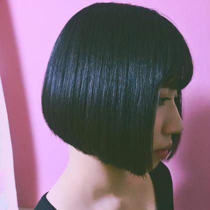 黒髪×ツヤツヤボブ✳︎ SALON DE JOE所属・宮本しおりのスタイル
