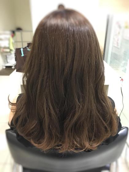 アッシュ こっそりインナーグラデーションカラー Produce東林間店所属・伊藤瑞季のスタイル
