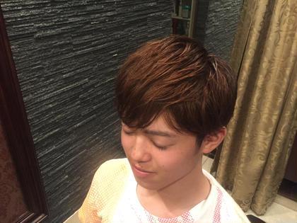 いま話題の三代目の岩田剛典さん風にしました! 横はブロックを入れて後ろは刈り上げてはないけど短めで前髪は目にかからない程度に切りました! ヒロ銀座 銀座一丁目店所属・坂場渉武のスタイル