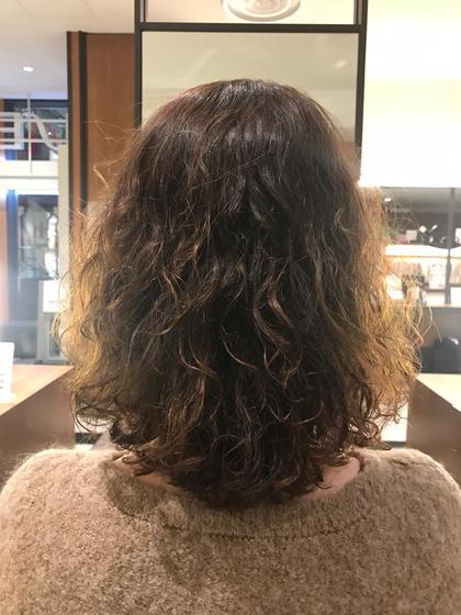 軟毛でペタッとしやすい方も、ふんわりとしたカールをだして華やかにできます! SuzukiAiriのパーマ
