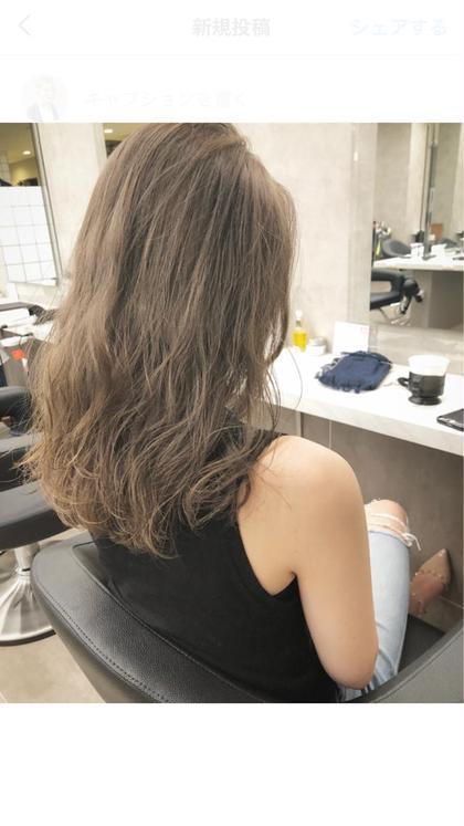 カラーアドバイザー米盛祐子のセミロングのヘアスタイル