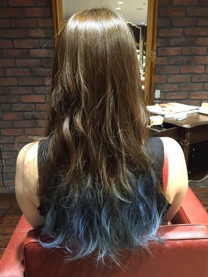 毛先ブルーのグラデーションカラー☆ モードケイズ八王子所属・吉川哲平のスタイル