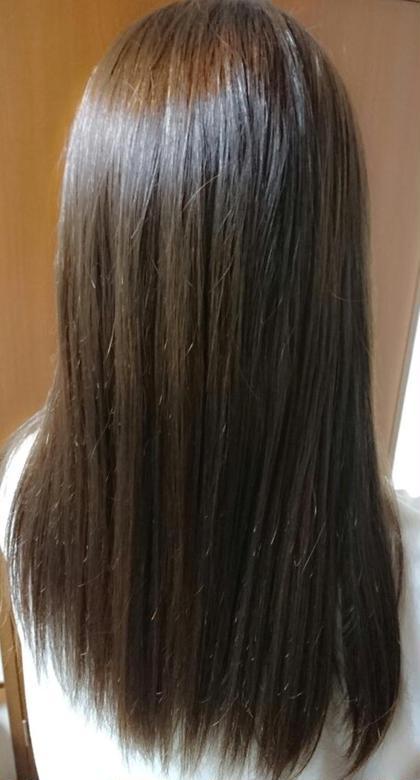 赤みを消して綺麗なアッシュカラーにしたい方にオススメ!!  ブルーが入ったグレーカラー、、 **フォギーブルージュ** ブルーが入っているので赤みをしっかり抑えてくれ、綺麗な透明感とツヤ感のある髪に... グレー暗くしたいけど落ち着きすぎたくない方にも必見です! ケンジ(KENJE)南林間所属・山本裕梨のスタイル
