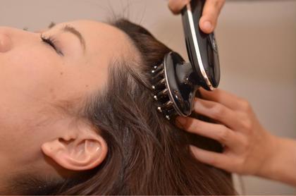 オプションメニューの 血行促進!ドクタースカルプ(電気)  育毛コースにも使われている最新のスカルプマシン❗️ 電気(LD LED 高周波 EMS)をあてていき血行促進❗️ 固くなった頭皮を柔らかくし ヘッドスパの効果がよりアップ✨