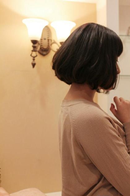 マイニチノスタイリングが楽な少し動きのあるボブです。 HAIR JENNY所属・芦田武栄のスタイル
